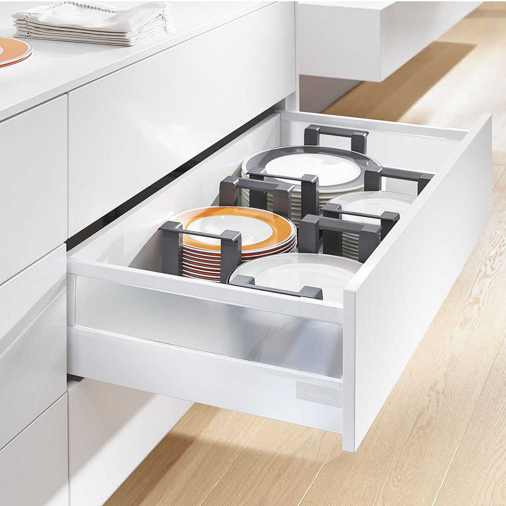 Blum Plate Holder In Use